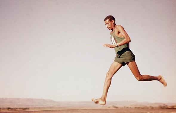 Correr descalzo o no: ¿qué dice la ciencia?