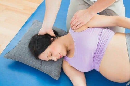 ¿Estás embarazada y te duele el cuello?