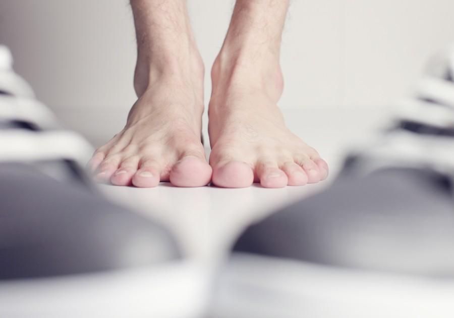 ¿Por qué se produce el mal olor de pies? Causas, tratamiento y prevención