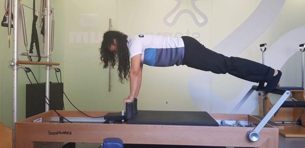 Guía de Pilates completa: ejercicios con máquinas